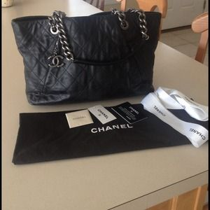 Authentic CHANEL Coco Pleats Lambskin Tote 