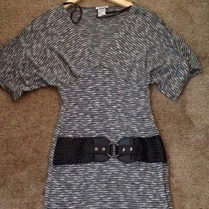 Dresses & Skirts - Cute mini dress