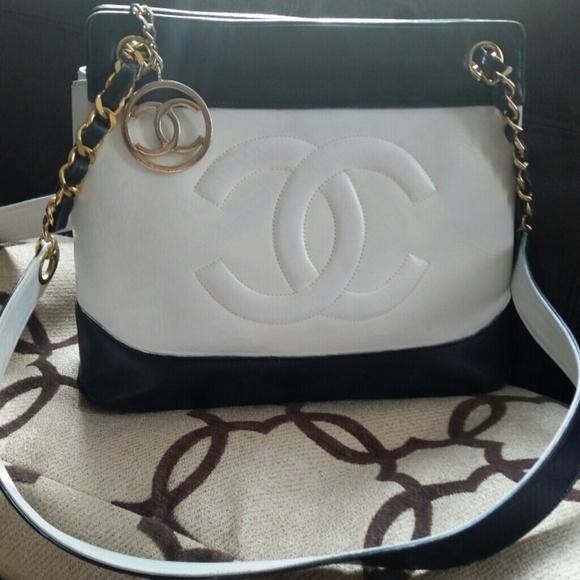 bc478ec603f4c1 CHANEL Handbags - SALE!! CHANEL Shoulder Bag Vintage Navy/White