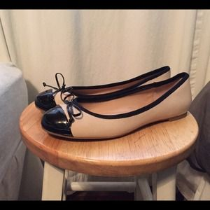 Black cap toe flats