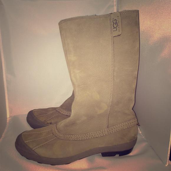 cfe890004d3 UGG Women's Belfair Waterproof Boot