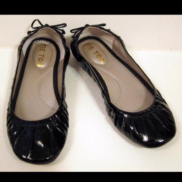 me too Shoes   Black Flats   Poshmark
