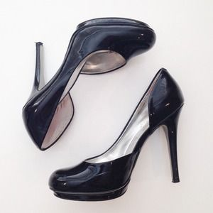 Jessica Simpson | Black Patent Pumps