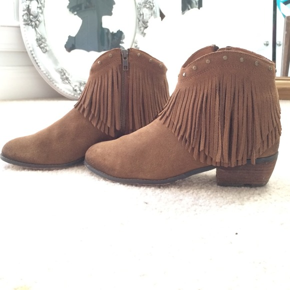 48% off Minnetonka Boots - Minnetonka Suede Fringe Ankle Boot from ...