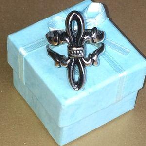 🆕Silver Fleur-de-lis ring.  B-NEW w/Tag
