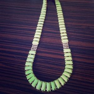 Neon yellow link necklace