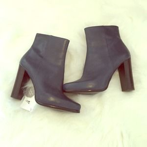 Zara leather heel ankle boots new