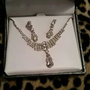 Classy Prom Jewelry Set