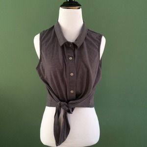 Modcloth grey collared button down crop top