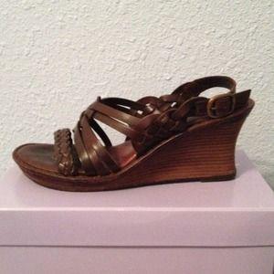 Nurture Wedge Leather Sandals