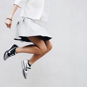 best service 2cb79 68782 Nike Shoes - Nike Flyknit Racer Black White Women s 7.5