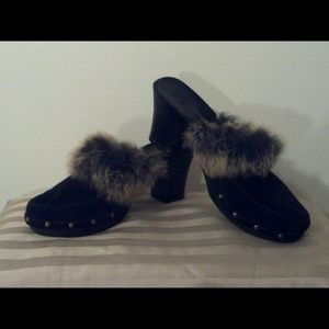 Sotto Sopra Shoes - Sotto Sopra Italy Black Suede Fur Studded Clogs