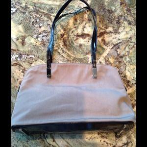 GUCCI tan black patent leather purse tote bag