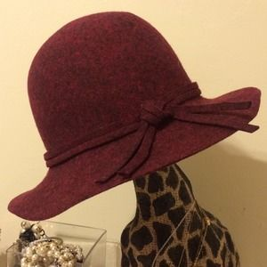 Sole Society Accessories - Burgundy wool hat