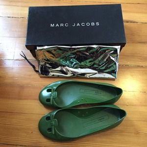 Marc Jacobs Shoes - Marc Jacobs green Tomaia PVC jelly flats