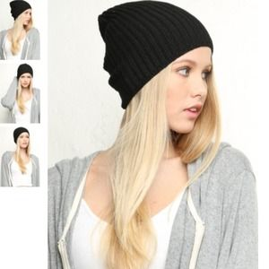Brandy Melville Accessories - Brandy Melville Black Knit Beanie