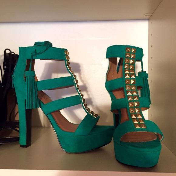 Suede green started tassel high heels