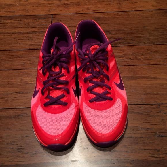 reputable site 350cd 8415b Nike Dual Fusion Flywire training running shoes. M 54b2fb3c14b1e05810130b15