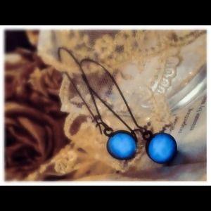 Jewelry - Glow in the dark blue earrings