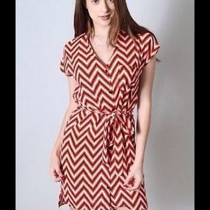 RUNWAY CHEVRON Silky Career Shirt Dress