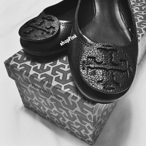 Authentic Tory Burch Reva Flat
