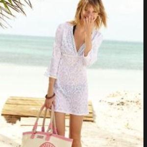Vineyard Vines Dresses & Skirts - ⚡️SALE⚡️Vineyard Vines Beach Cover