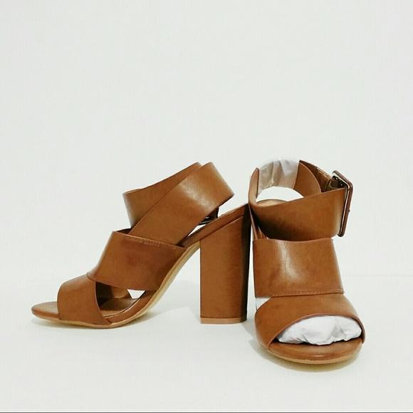 28f5de02612 SHOEDAZZLE Leila Stone  Sage  Sandal