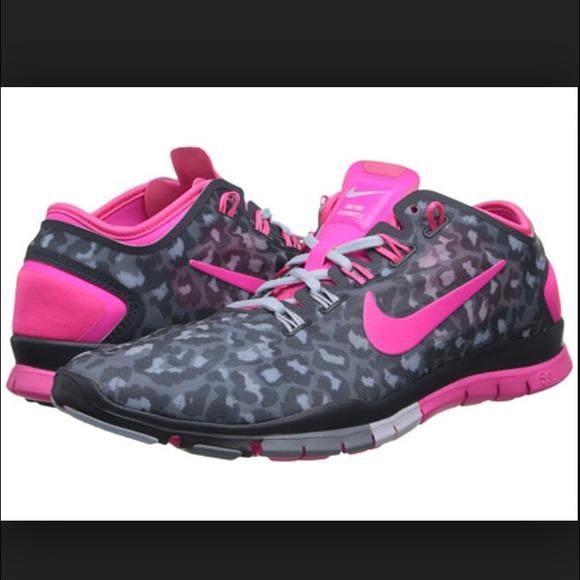 Nike Roshe Courir Gecko Léopard Rose