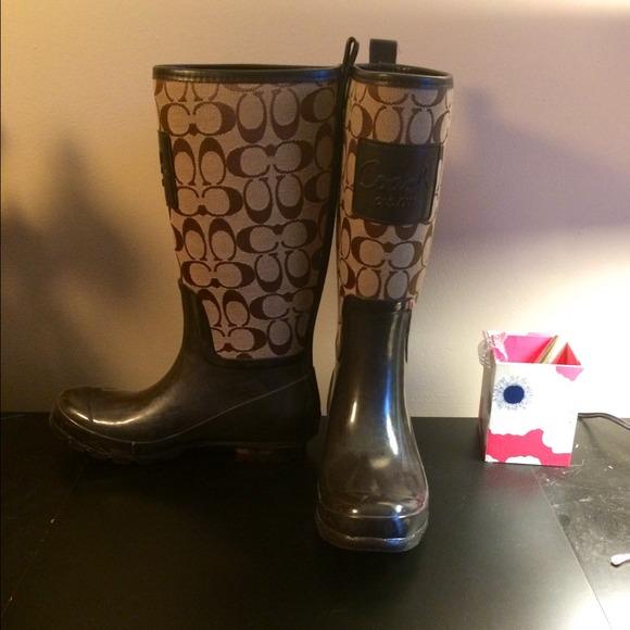 how to clean coach rain boots