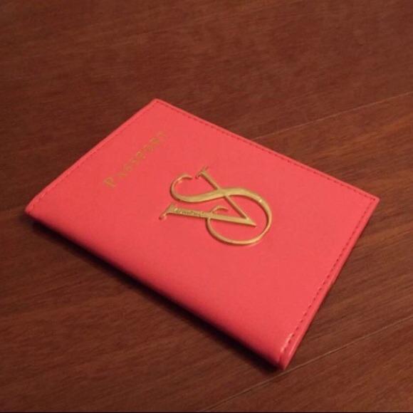 Souvent Victoria's Secret - Victoria's Secret VS Passport Card Case Holder  RE44