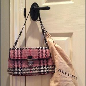 Tweed Burberry handbag