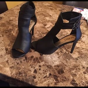 XOXO Shoes - Black size 10 heels only worn once