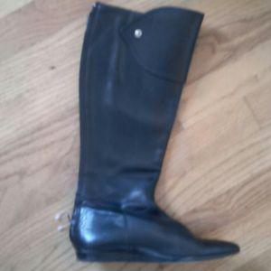 Bcbg black flat leather boots