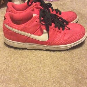 79 nike shoes neon pink nike running shoes from