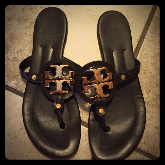 236f9cdc17 Tory Burch Shoes - Tory Burch Sandlas