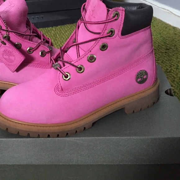 083705602 Breast Cancer Awareness Pink Timberlands Boots. M_54b6b1f50f6eb2055700aa98