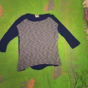 A quarter sleeve black mesh top