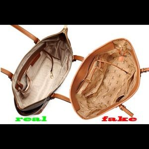 df4b33fb2f MICHAEL Michael Kors Bags - Real   Fake