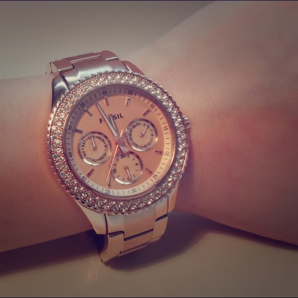 11 off fossil accessories fossil stella watch in rose gold pending from hayley 39 s closet on. Black Bedroom Furniture Sets. Home Design Ideas