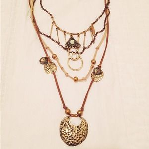 ❤️SOLD❤️Free People Layered Suede Necklace