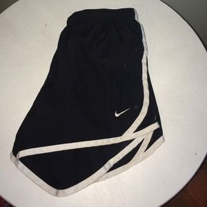 Nike girls size Large black tempo track short