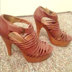 Qupid brown platform heels