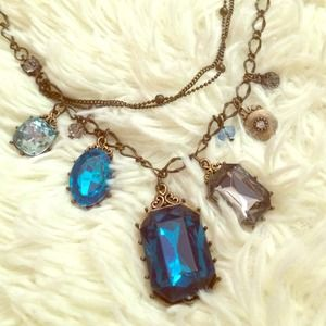 Jewelry - blue statment piece necklace
