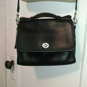 Vintage Coach with Handle & Removable Strap