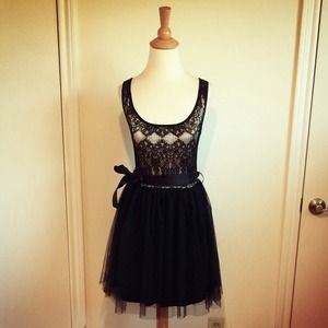 Dresses & Skirts - 🎉HP🎉Black & Nude Lace Tulle Dress