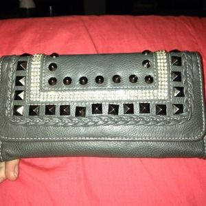 Maurice's leather wallet