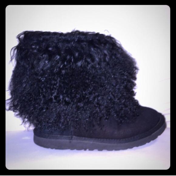black short sheepskin cuff uggs
