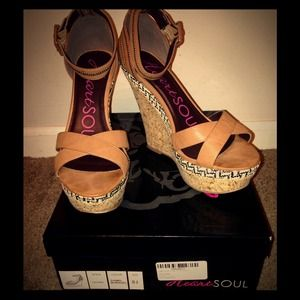 "HeartSoul ""Lillian"" Sandal SZ 8.5, Tan-NEW IN BOX"
