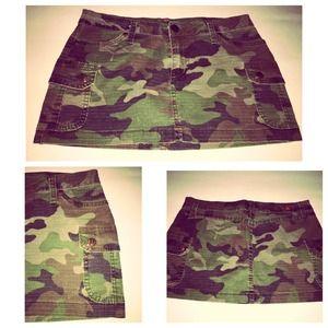 Dresses & Skirts - 💚 Army skirt 💚 cute!!