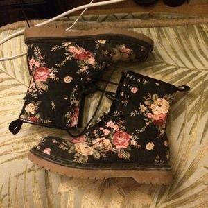 Shoes - Floral boots